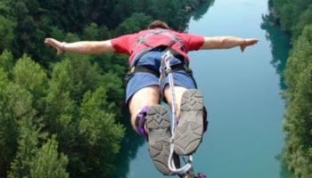 10499254-bungee-jumping