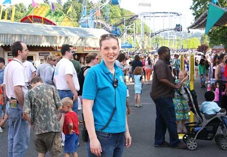 amusement park worker summer