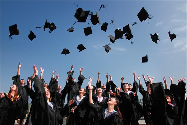 7 Things to Consider After You Graduate College