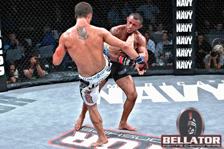 Pat-Curran-head-kicks-Marlon-Sandro-at-Bellator-48