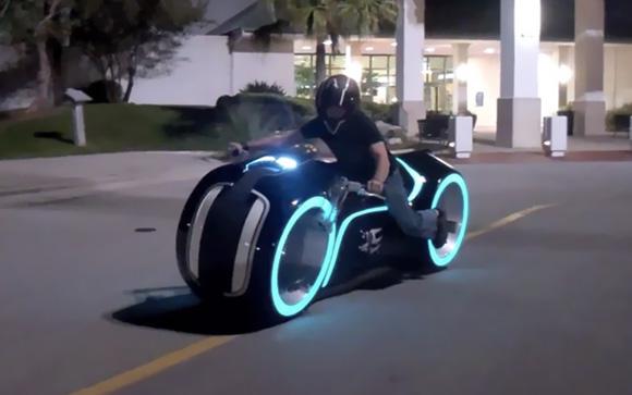 RealLife-TRON-Light-Cycle