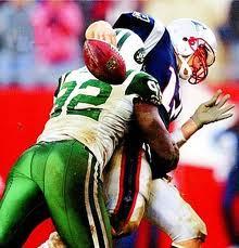 Shaun Ellis sacks Tom Brady to clinch last Jets victory in Foxboro