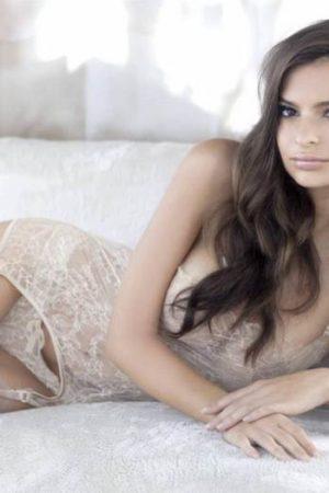 emily-ratajkowski-princess-lingerie-7
