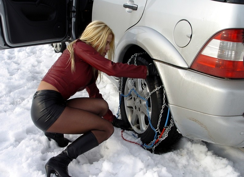 hot-snow-girl-21-e1296162166886.jpg