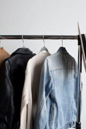 mens-capsule-wardrobe-clothing-rack