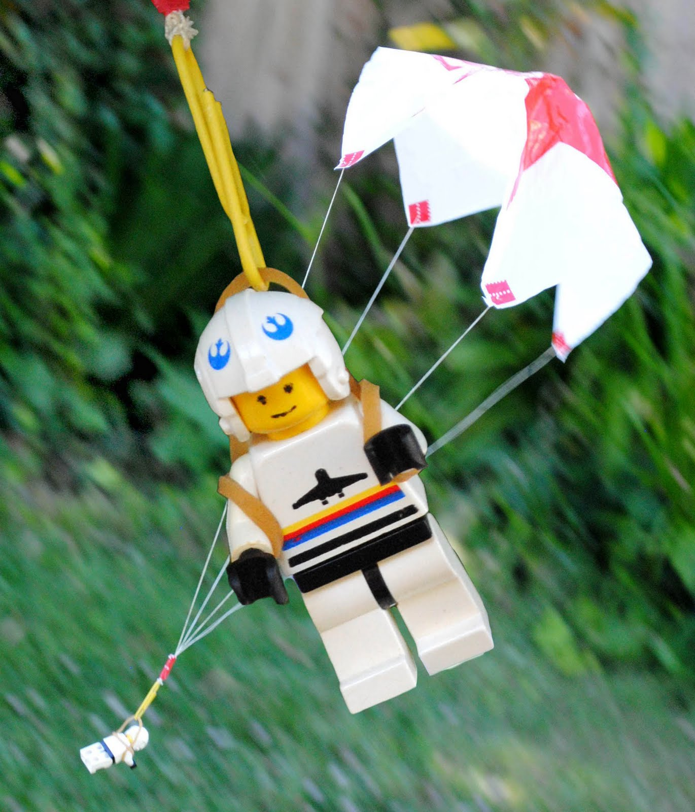 fake-parachute