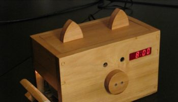 wake-n-bacon-alarm-clock-02-570×427